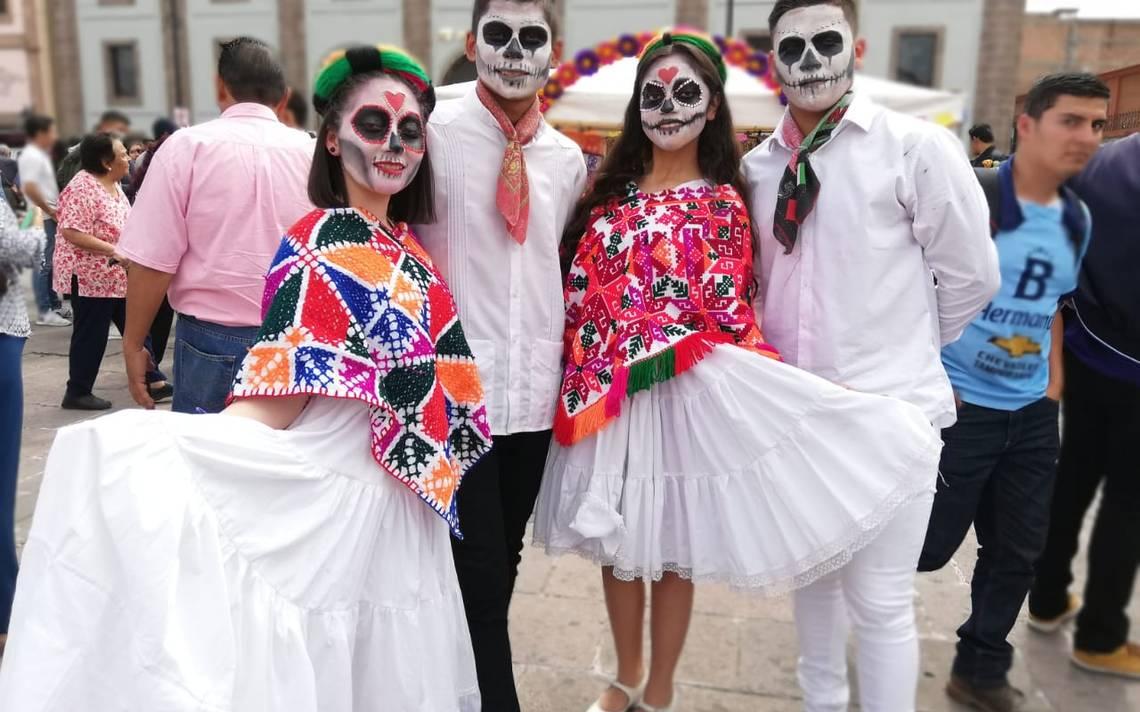 Estudiantes del VIDENTE elaboraron el tradicional Altar de Muertos - El Sol de San Luis 1