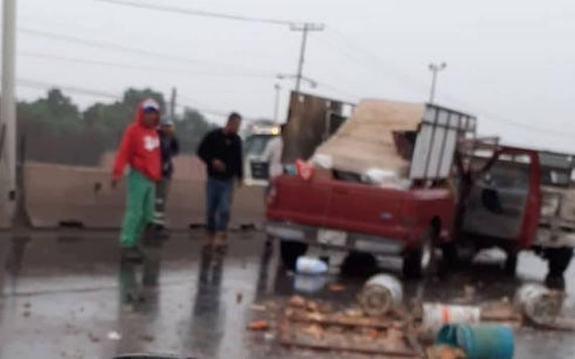Chocan carretonero y unidad de desperdicios - El Sol de San Luis