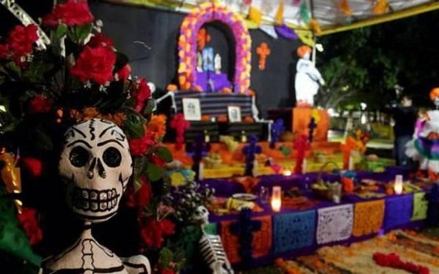 Promueve Fomento Cultural De La Paz La Tradicion De Altar De Muerto