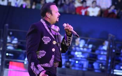 Pepe Aguilar llega a la Fenapo con su tour Jaripeo Sin
